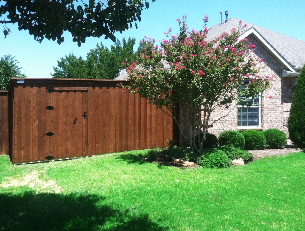 8-ft-wood-fence-cedar-privacy