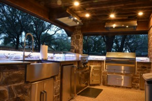 outdoor-kitchen-patio-lighting