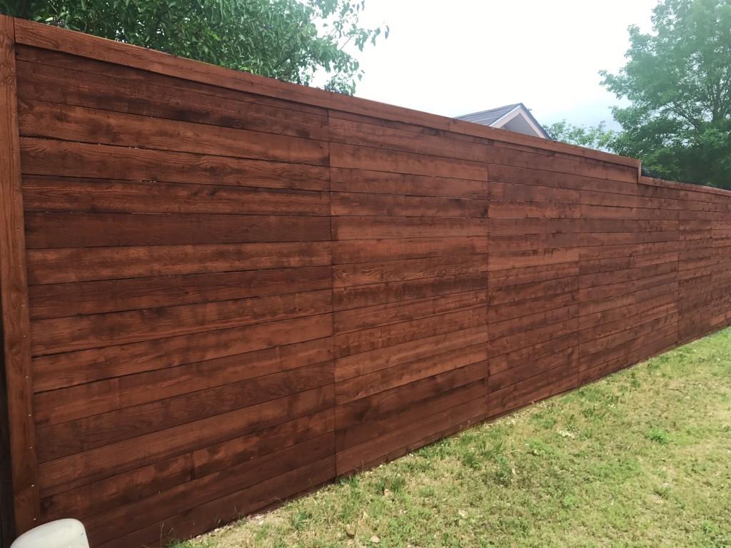 Horizontal Wood Fence Companies | Horizontal Style Fence Builders