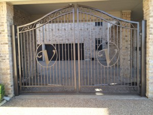 Automatic Gate Company Arlington TX | Driveway Gates Arlington | Iron Gate