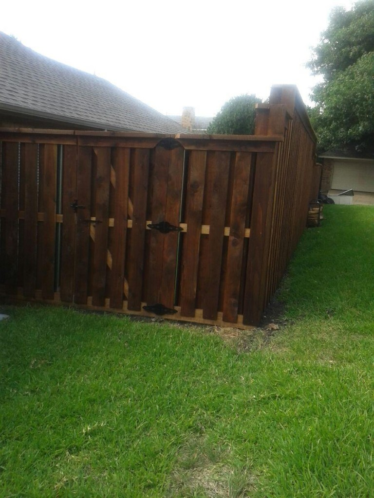 Shadow Box Style Cedar Fence Fence Companies Gate