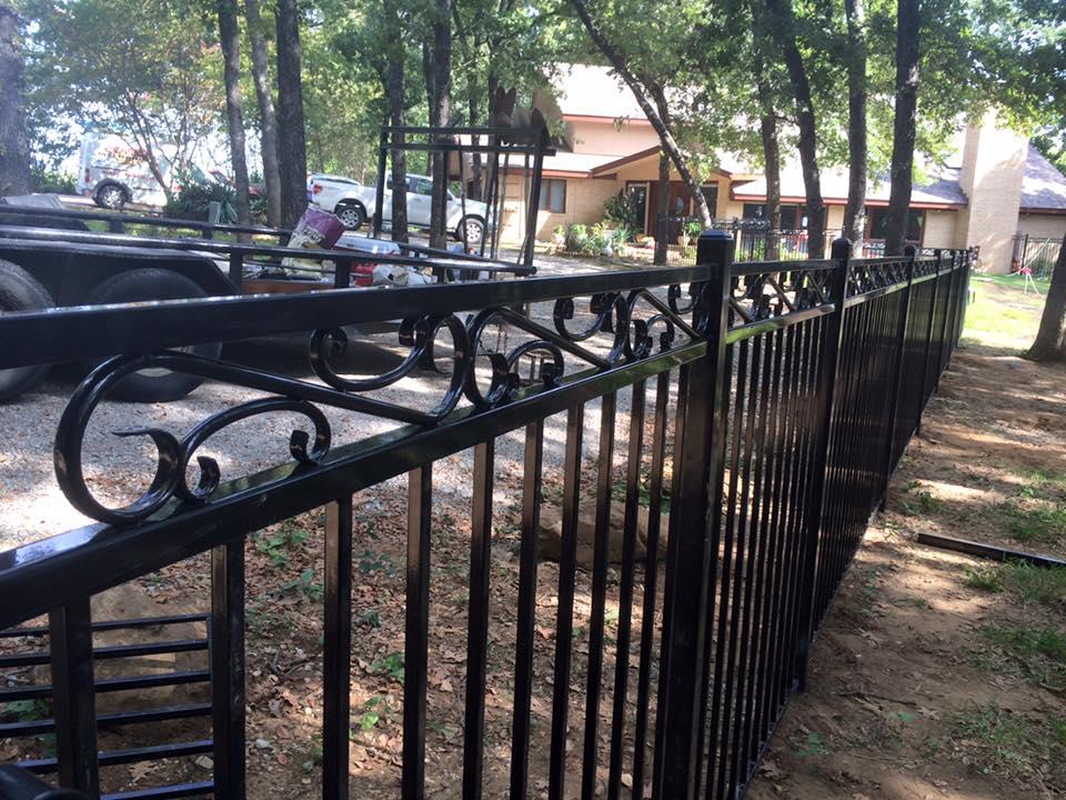 4 Ft Metal Fence W Custom Topper