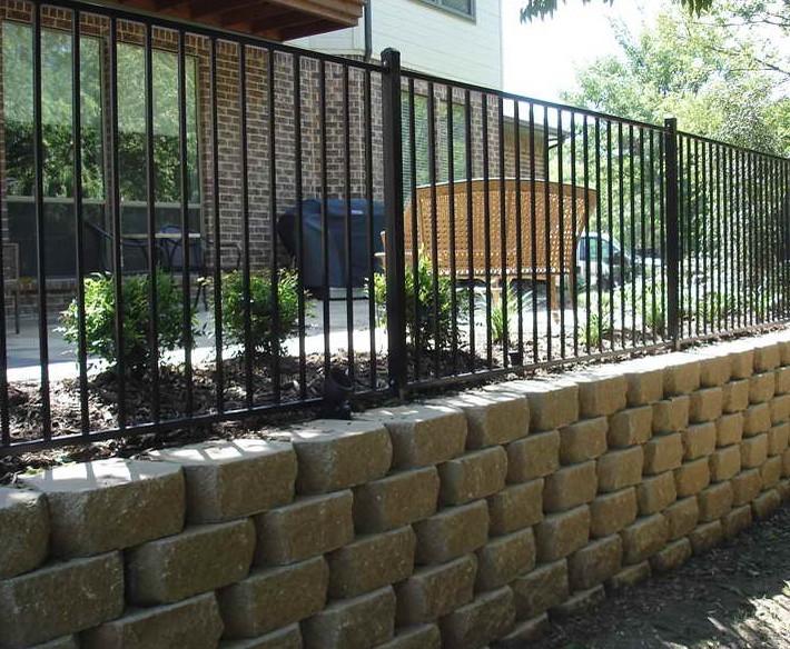 Retaining wall fence ideas best idea garden for Garden wall fence ideas